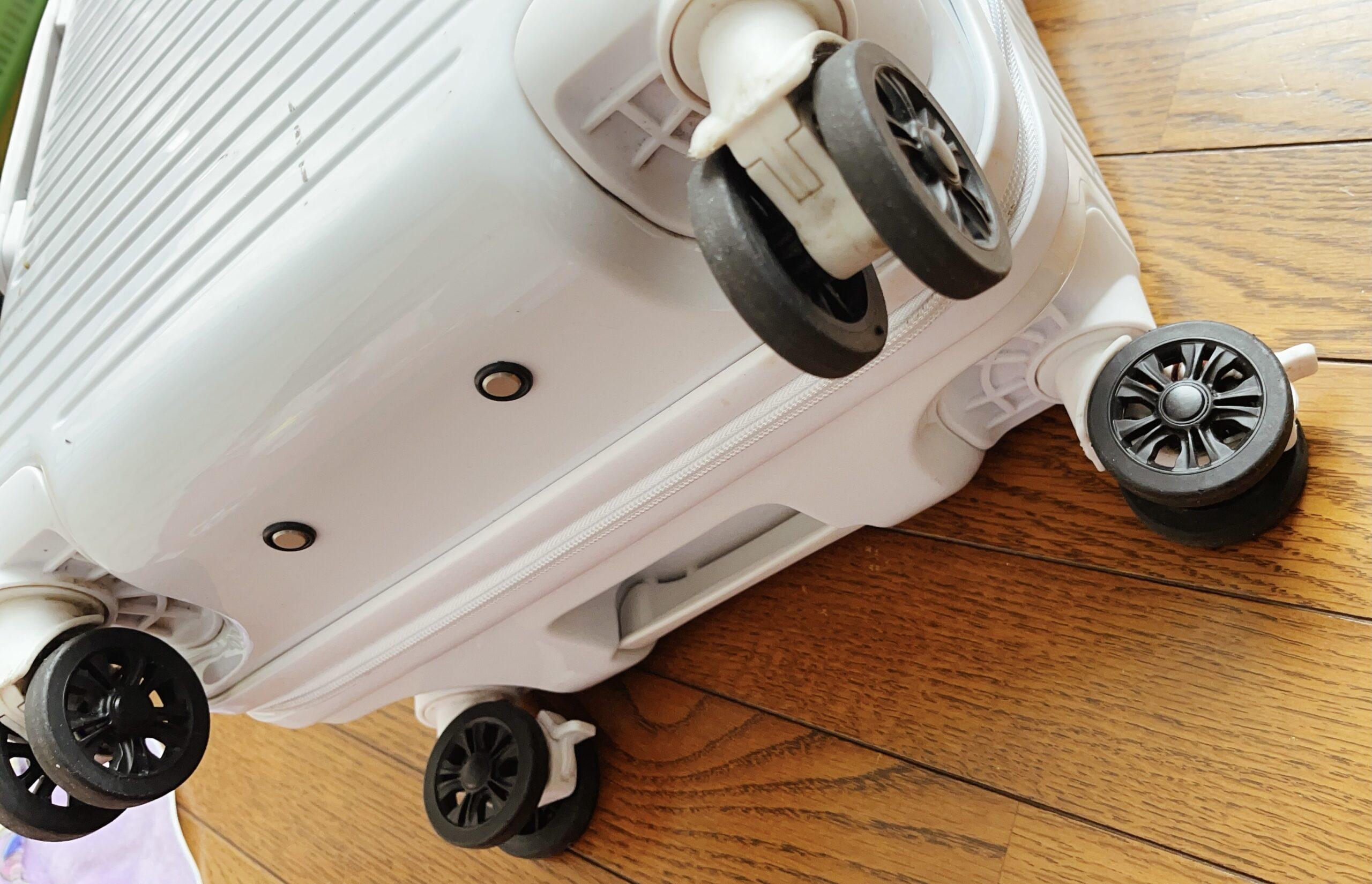 8輪のスーツケース